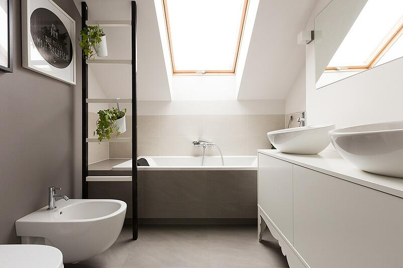 01-Top Tips for Creating an Attic Bathroom(1)