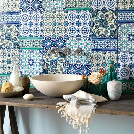 02-Adding Colour in Your Bathroom