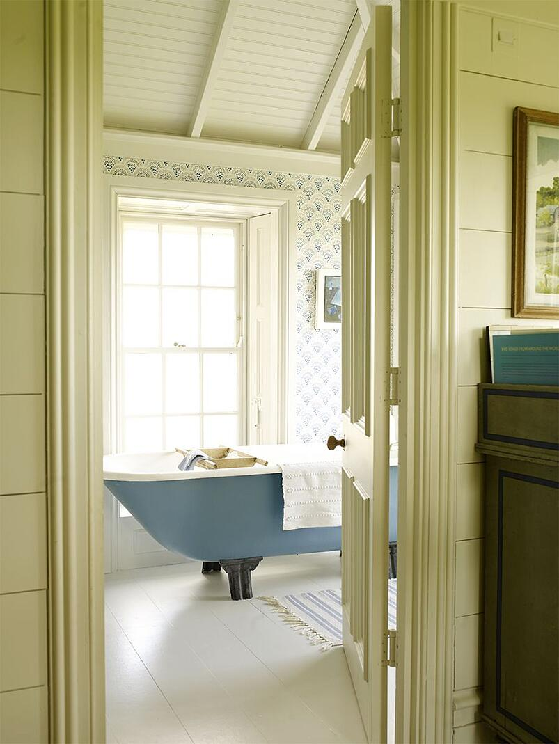 03-Adding Colour in Your Bathroom