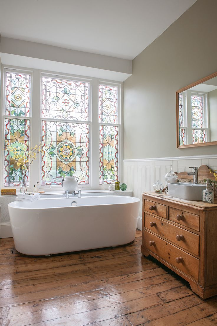 04-Adding Colour in Your Bathroom
