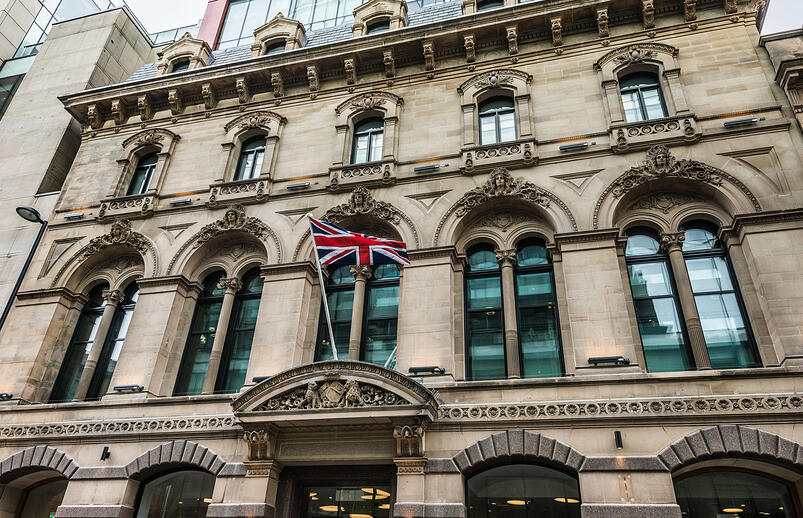 1-St James Collection brings Contemporary Flair and Traditional Elegance to King Street Townhouse