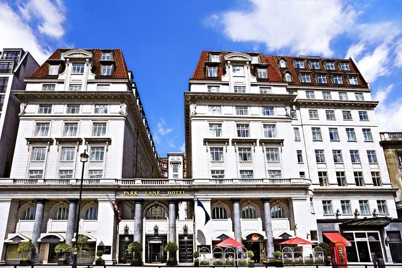 1-http_www_foamandbubbles_com_design-ideas-advice_luxury-sheraton-grand-hotel-refurbishment-featuring-grohe_