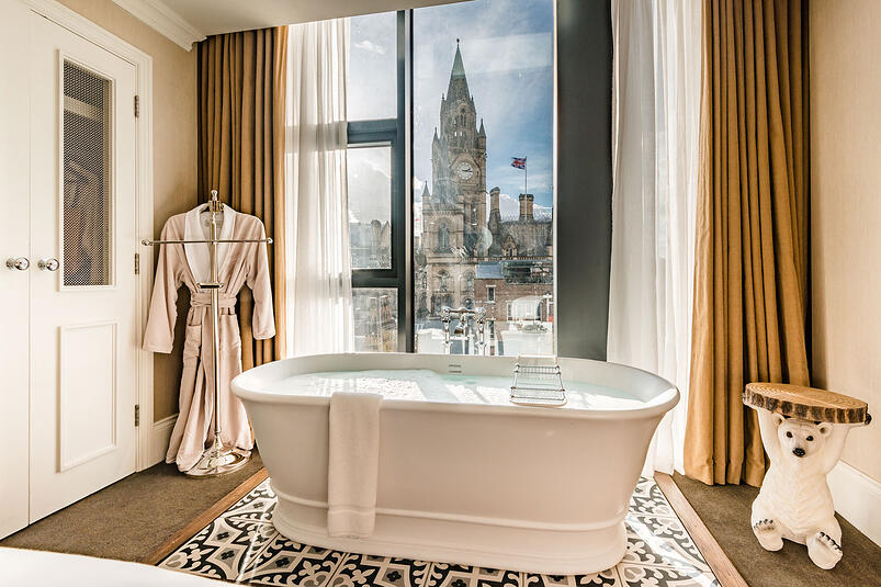 2-St James Collection brings Contemporary Flair and Traditional Elegance to King Street Townhouse
