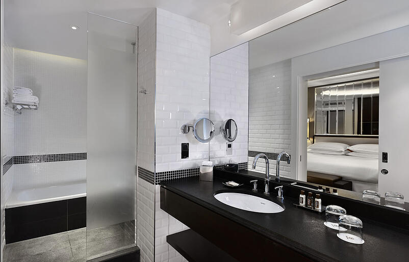 5-http_www_foamandbubbles_com_design-ideas-advice_luxury-sheraton-grand-hotel-refurbishment-featuring-grohe_