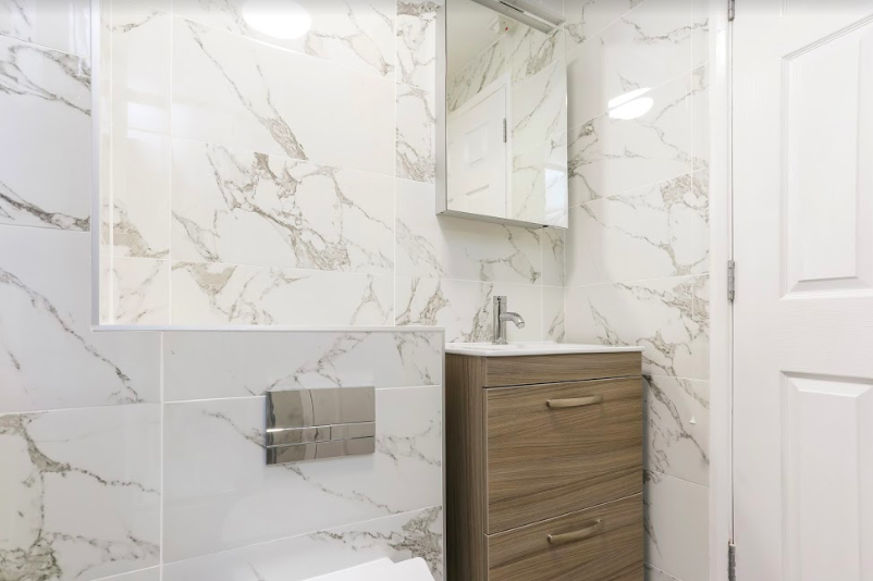 Marble-Style Shower Room